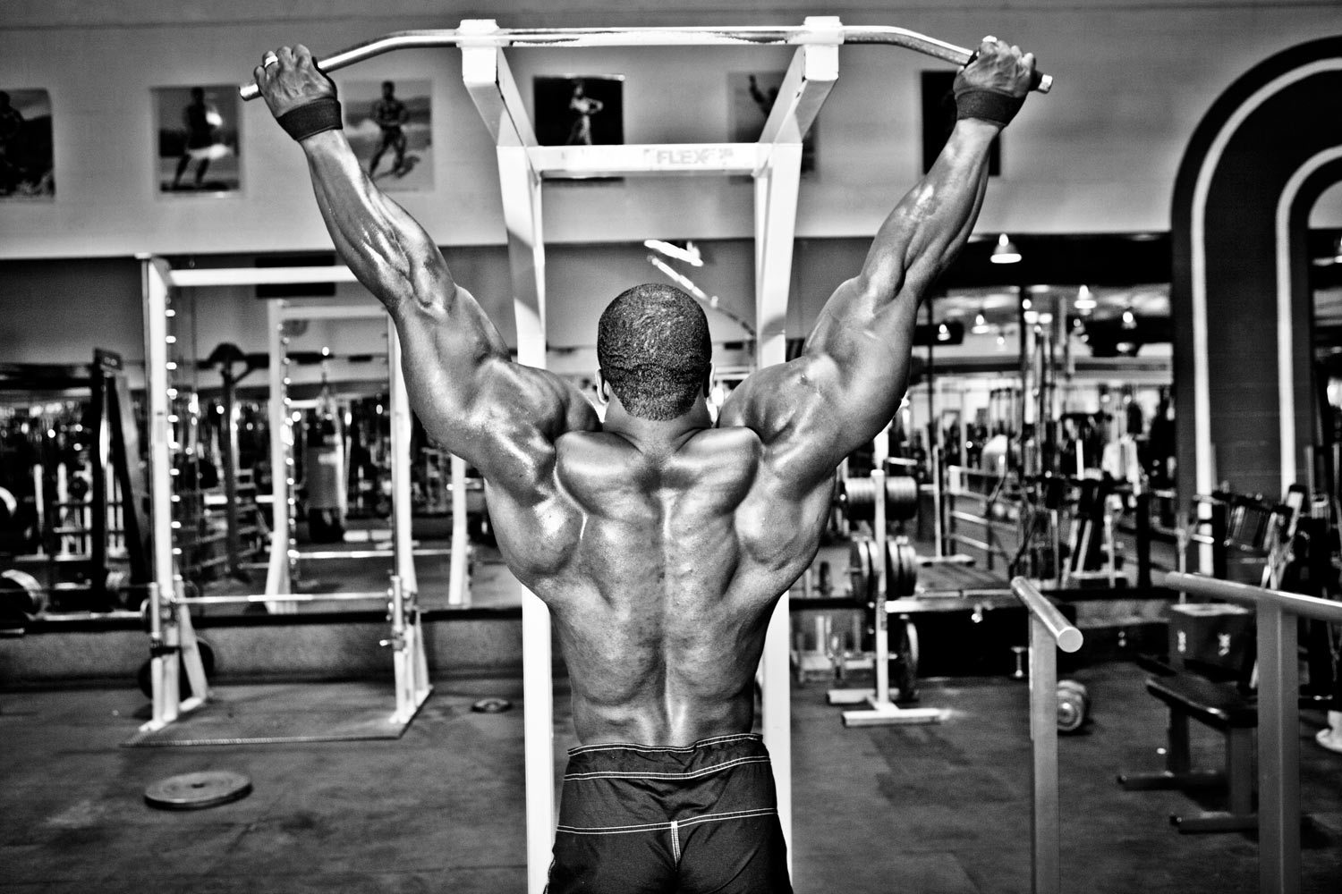 brandon_curry_golds_gym image